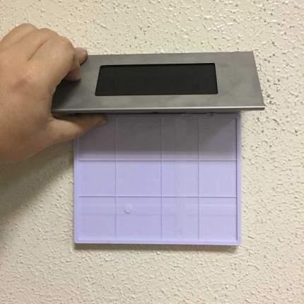 Табличка указателя номера дома со светодиодной подсветкой на солнечной батарее