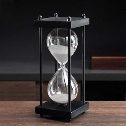 Песочные часы в каркасе из темного дерева, TND, «Черное и белое» на 1 час, 00801