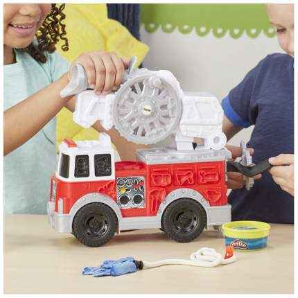 Игровой набор Play-Doh Wheels Пожарная машина Hasbro