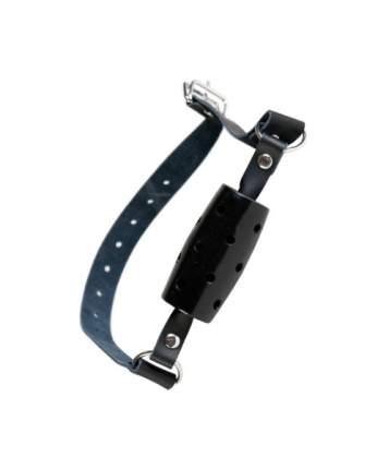 Кляп-трензель ToyFa на кожаных ремешках с отверстиями для воздуха черный