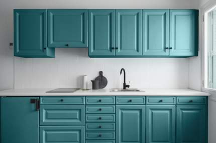 Краска V33 для стен и мебели на кухне RENOVATION Цвет бирюза