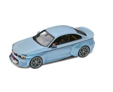 Модель автомобиля BMW 2002 Hommage, Ice Blue, 1:18 Scale