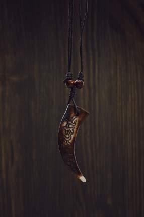 Кулон на шнурке Храбрый Асманд Nothing But Love коричневый; бежевый; черный