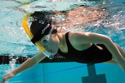 Трубка для плавания Finis Swimmer's Snorkel Junior 1.05.009.48 желтая