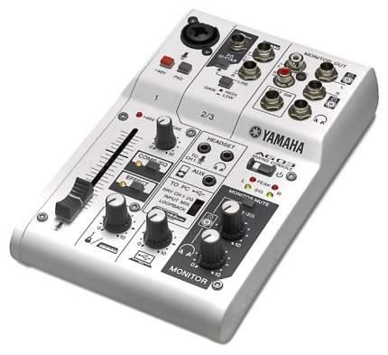 Микшер Yamaha AG03 со встроенной звуковой картой