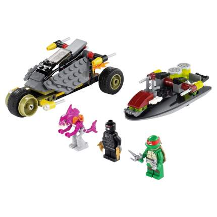 Конструктор LEGO Ninja Turtles Погоня на панцирном байке (79102)