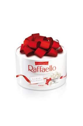 Конфеты Raffaello с цельным миндальным орехом в кокосовой обсыпке торт 100 г