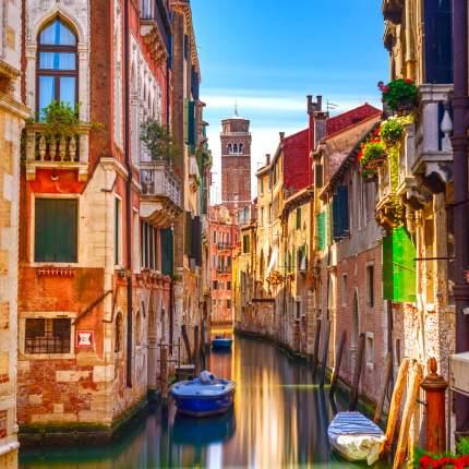 """Картина на холсте 60x60 см """"Канал с лодками в Венеции"""" Ekoramka HE-101-965"""