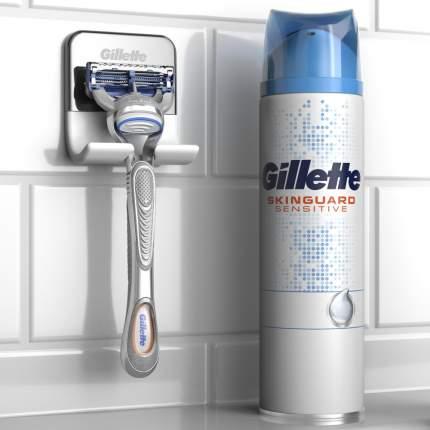 Подарочный набор Gillette Бритва SkinGuard + гель для бритья 200мл + крепление для бритвы