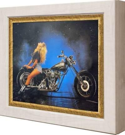 """Ключница """"Девушка на черном мотоцикле (тиснение – золото)"""" Клен"""
