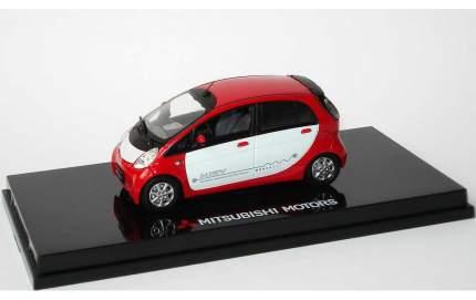 Модель автомобиля Mitsubishi iMiEV MME50109 Red-White