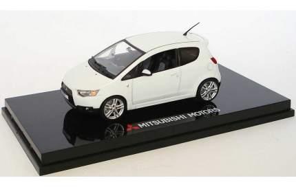 Модель автомобиля Mitsubishi MME50129 Colt 3-door 1:43 scale White