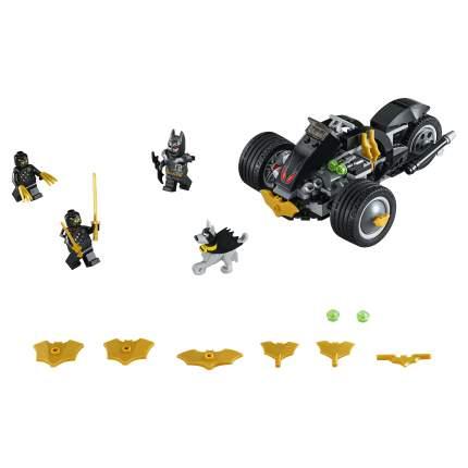 Конструктор LEGO DC Comics Бэтмен: Нападение Когтей 76110