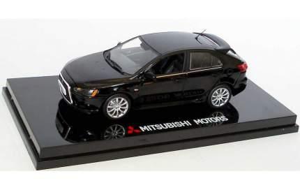 Модель автомобиля Mitsubishi Lancer Hatchback Amethyst MME50204 1:43