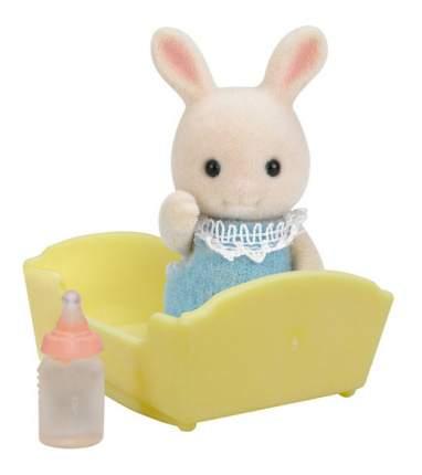 Игровой набор Sylvanian Families Малыш Молочный Кролик