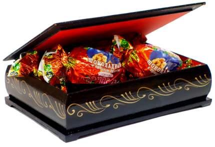 Чернослив Кремлина шоколадный с грецким орехом в сувенирной шкатулке-белка 150 г