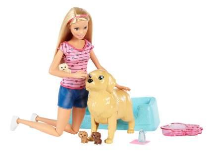 Кукла Barbie с собакой и новорожденными щенками