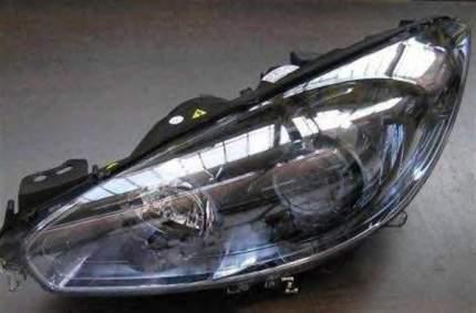 Фара передняя Magneti Marelli 712470501129