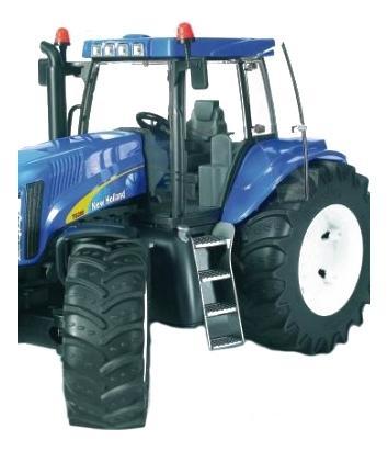 Трактор Bruder New holland t8040