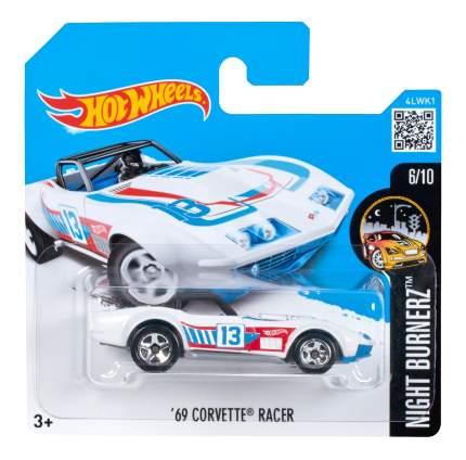 Машинка Hot Wheels 69 Corvette Racer 5785 DWH81