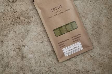 Белый шоколад Mojo Cacao с зеленым чаем и обжаренным рисом genmaitcha