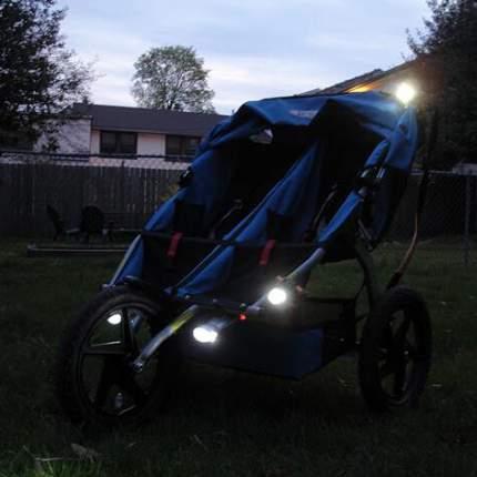 Фонарик для детской коляски Happy Mom белый в черном корпусе