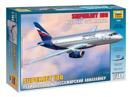 Модель для сборки Zvezda Региональный пассажирский авиалайнер Суреджет 100