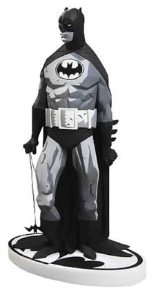 Фигурка DC Collectibles Movies: Batman: Batman Black and White Statue By Mike Mignola