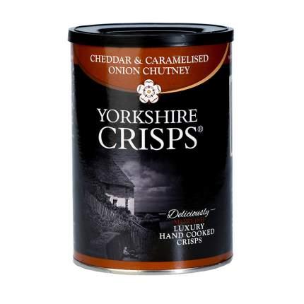 Чипсы картофельные Yorkshire Crisps с сыром чеддер и карамелизированным луком 100 г